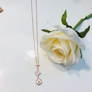 Jewelry - 18KT Gold & Pearl Clover Monogram Flower Necklace